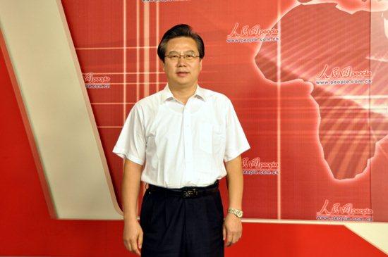 山东省泰安市岱岳区委书记张斌
